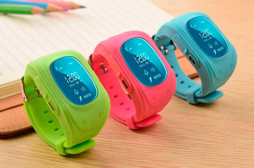 Удобное «умное» устройство поможет малышу известить взрослых о возникшей проблеме и получить своевременную помощь.